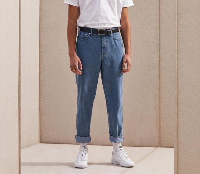 Популярыне джинсы с отворотами
