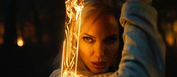 Джоли в образе воительницы Тены